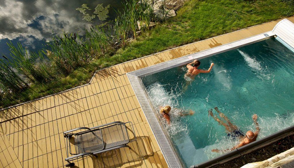 hotel-international-vonkajsi-bazen